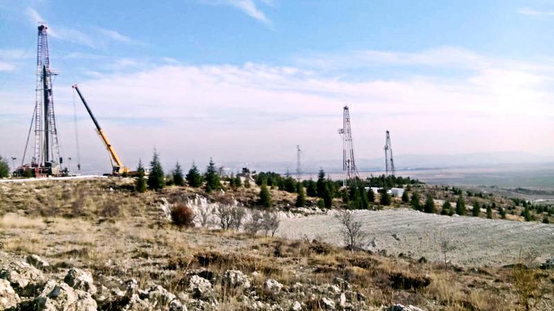 辽宁省煤田地质局103队采购河北yabosportsapp10余台3NB-350电动泥浆泵及TSJ2000型yabo4用于土耳其钾盐对接井施工