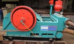 齐发娱乐官方网站_3NB-260泥浆泵试泵